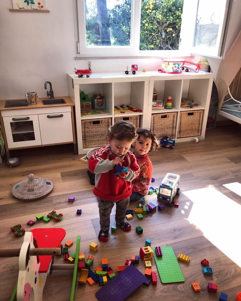 giochi, ecologici, ecologia, sostenibili, legno, waldorf, montessori, cameretta, giocattoli, bambini, vegan, usato, riciclo, famiglia, mama rainbow, ecofriendly, no plastic