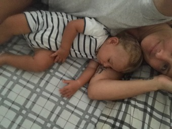 cosleeping, dormire, bambini, famiglia, vegan, mama rainbow, gentle parenting, consapevoli, alto contatto, attachment, insieme, crescita, serenità, fisiologico, naturale,