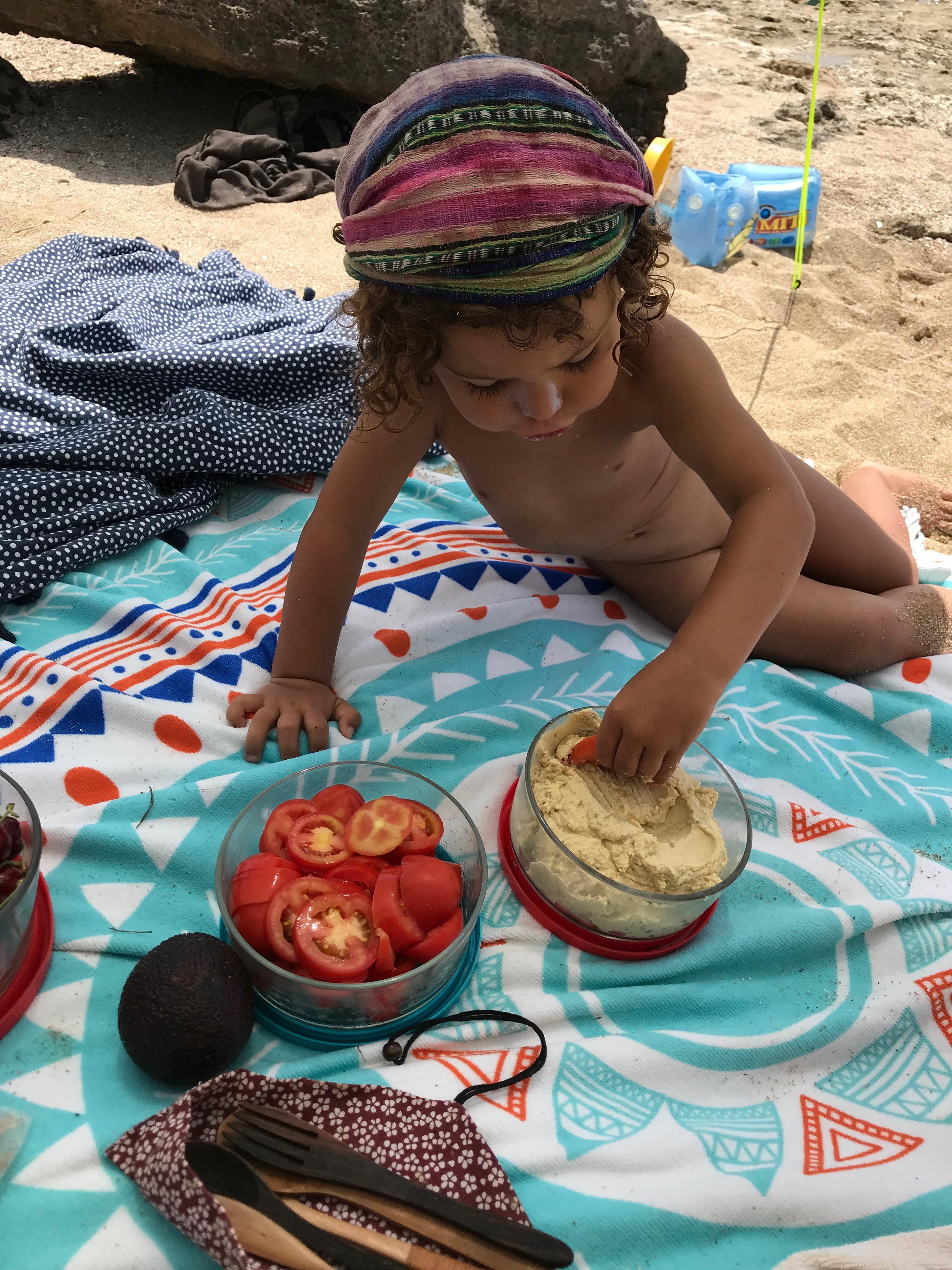 spiaggia, zero waste, cibo, plastic free, no plastica, ecologia, sostenibile, famiglia, bambini, genitori, vegan, mama rainbow, mare, libertà, natura, pic nic, idee