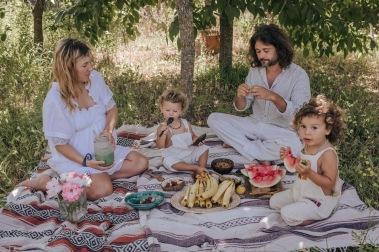coppia, famiglia, continuità, sesso, figli, genitori, uomo, donna, femminilità, vegan, mama rainbow, tutti i giorni, emotività, sincerità, motherhood, mamma, papà, uomo donna, complicità, amore, sentimenti,