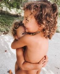 vegan, gentle parenting, società. comportamenti, educazione, rispetto, bambini, famiglia, mama rainbow, amore, rispetto, comunicazione non violenta, emozioni, intelligenza emotiva, accettazione, diverso, waldorf, steiner, futuro, montessori