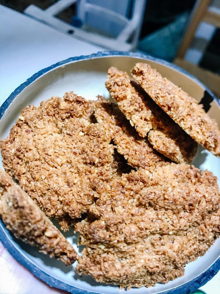 cocco, biscotti, vegan, famiglia, bambini, sani, veloci, facili, cibo vero, sostenibile, dolci, olio di cocco, salute,