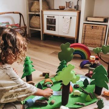 homeschooling, imparare, crescere, educare, waldorf, montessori, natura, libertà, emozioni, crescere, famiglia, bambini, istruzione, educare, scuola, casa, autonomia, vegan,