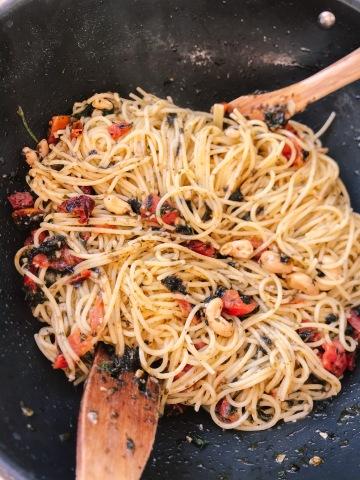 spaghetti, scoglio, vegan, mare, alghe, sano, salute, bambini, mediterraneo, ricetta, mama rainbow, cibo vero, cibo integrale,bambini, famiglia,