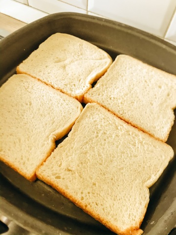 sandwich, panino, formaggio, vegan, famiglia, bambini, ricetta, sano, veloce, autosvezzamento, semplice, cibo vero, cibo integrale, mama rainbow, verdura, salute,