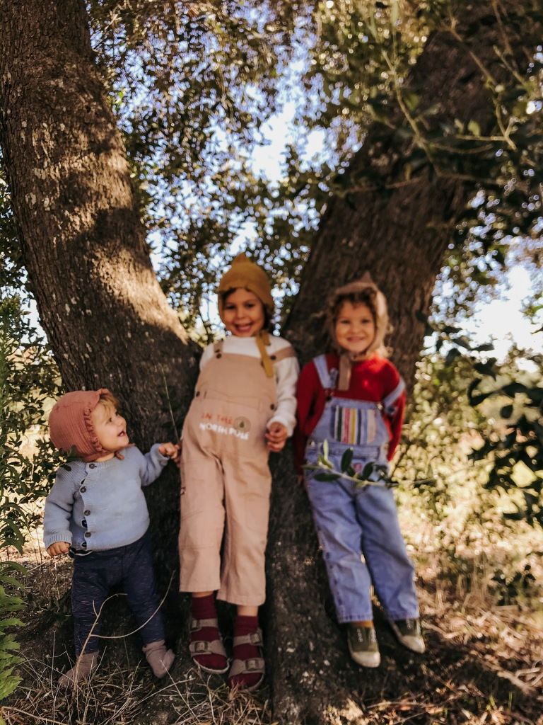 unschooling, vita in natura, vegan, bambini vegan, mama rainbow, famiglia, vita in natura, vita in campagna, homeschooling,